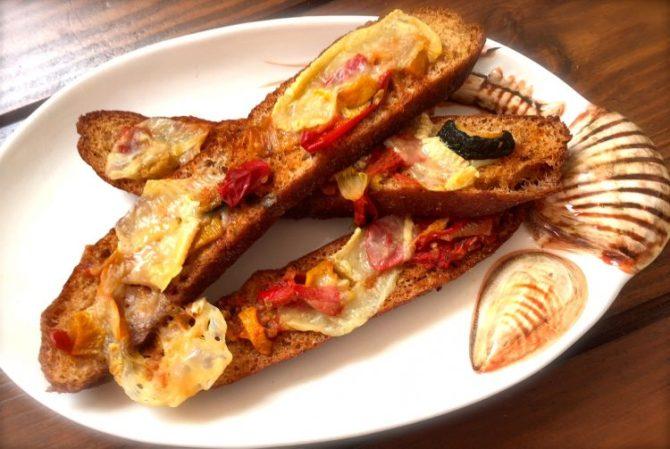 Geroosterde groenten met brood