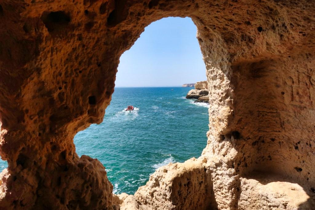 gruta da boneca algarve