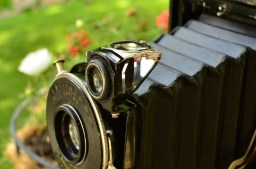 The viewfinder is larger and open on the sides compared to other Kodak folders which makes it brighter and easier to use.