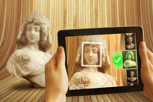 Linked – Facebook announces new facial recognition features.