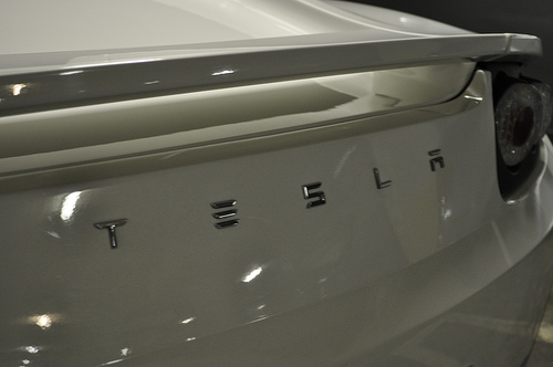 Linked – Tesla Model 3 keeps data like crash videos, location, phone contacts