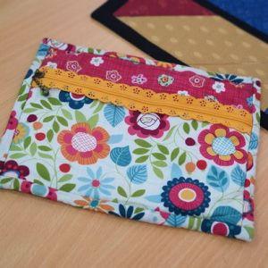 Bound zipper pouch