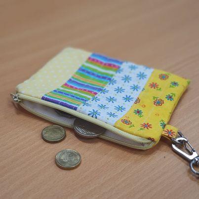 little zippered purse