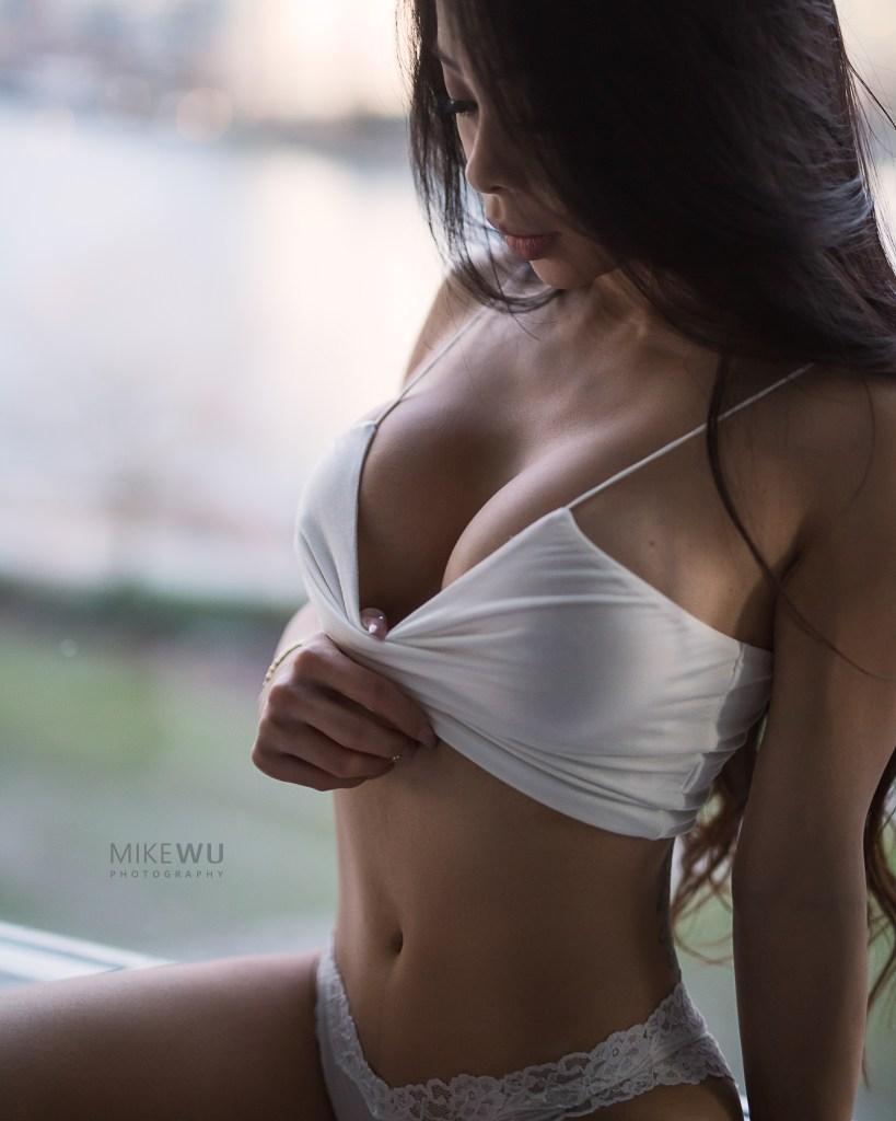 white, crop, panty, lace, window, blue hour, sunset, vancouver, view, beauty, boudoir, portrait, sexy