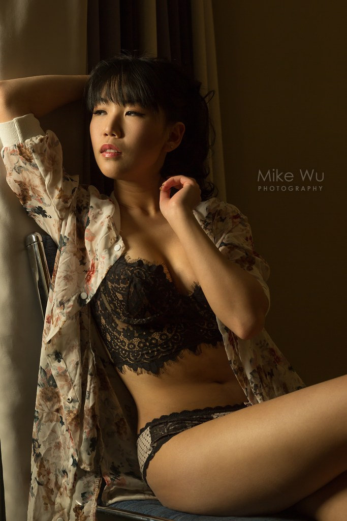 vancouver portrait photographer mike wu asian mood indoor studio photography iris sitting black lingerie floral beauty beautiful sensual