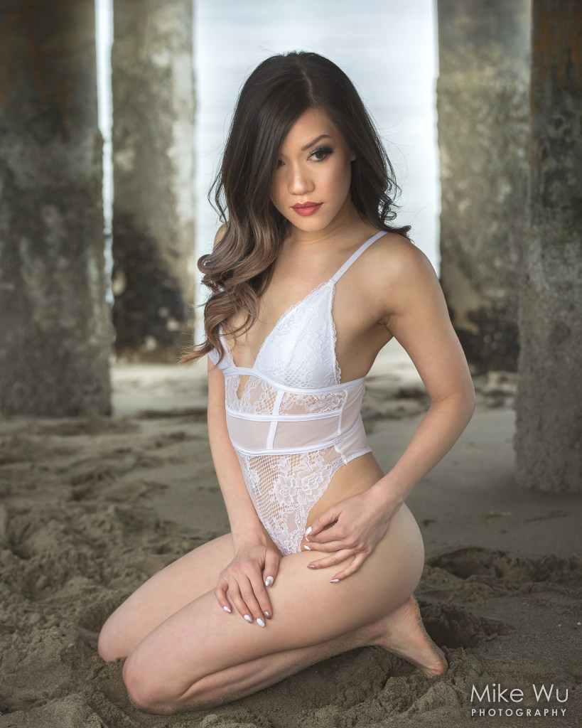 vancouver portrait photographer mike wu outdoor boudoir session beach pier bodysuit lingerie sand columns outside summer hot beauty sexy asian photoshoot natural lovely sitting model pose spanish banks jericho kitsilano beach english bay second beach