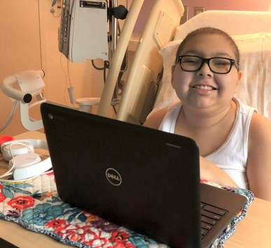 Laptop helps kids cope with cancer