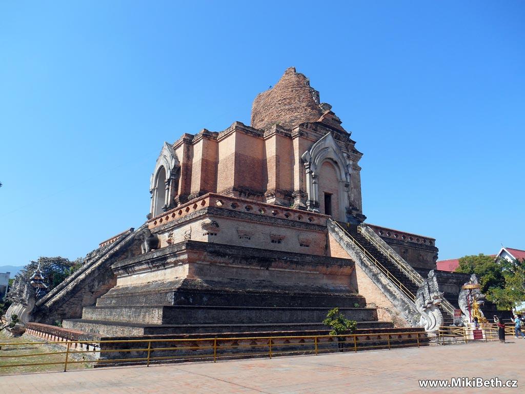 chiang mai pagoda