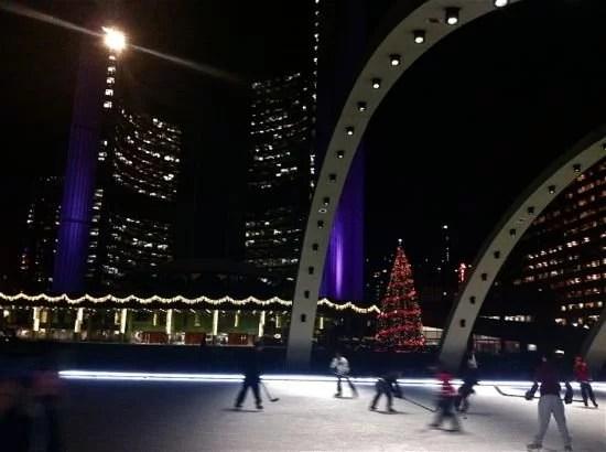 Patinando no inverno em Toronto