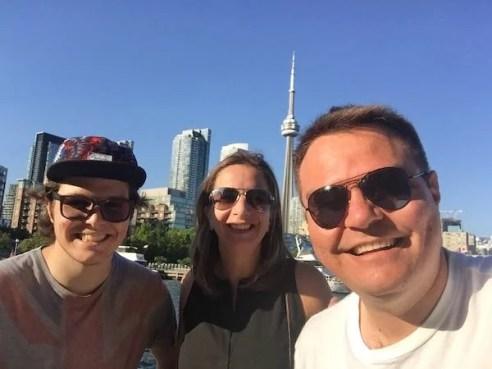 Estudantes em Toronto