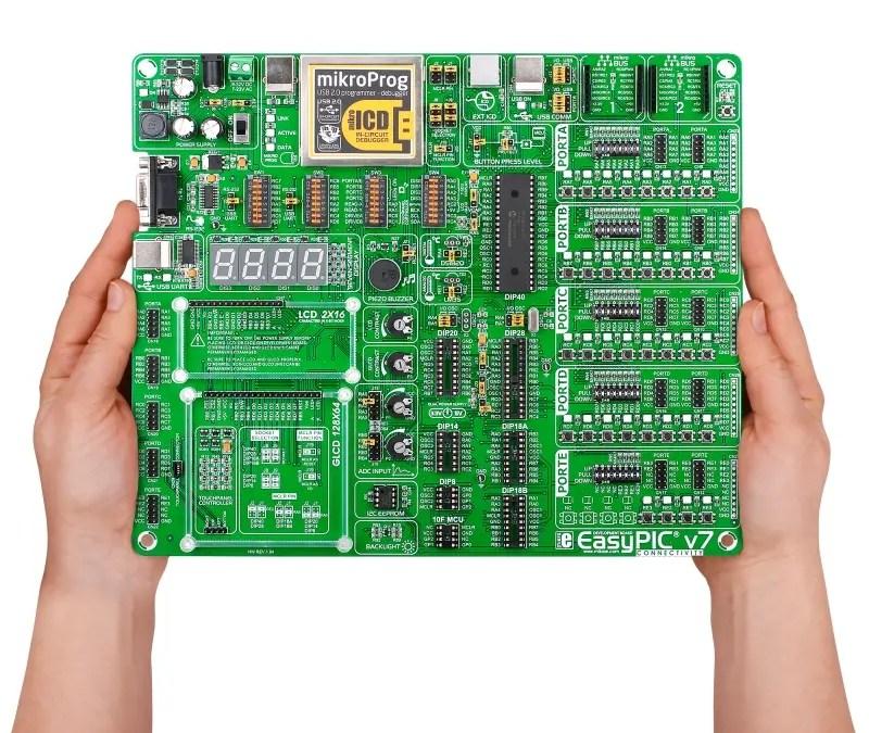 EasyPIC v7 con programador USB 2.0 de MikroElektronika