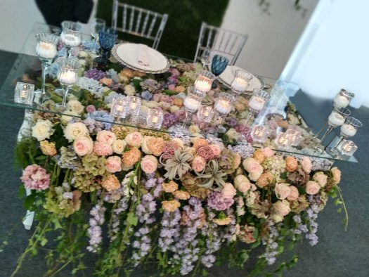 floral-glass-head-table-wedding