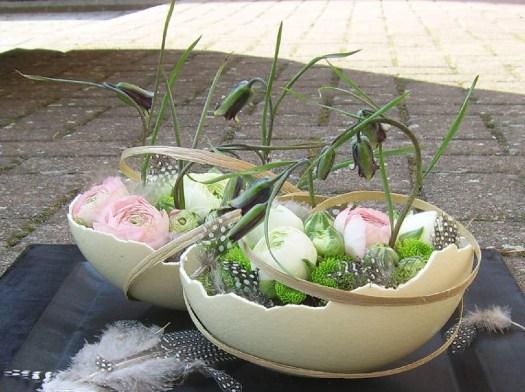 ostrich-egg-shell-Easter-flower-arrangement