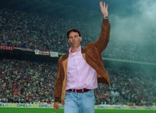 Marco van Basten nel giorno del suo addio al calcio a San Siro