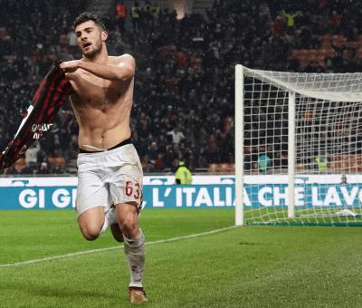 Patrick Cutrone esulta dopo il gol vittoria nel derby di Coppa Italia Milan-Inter