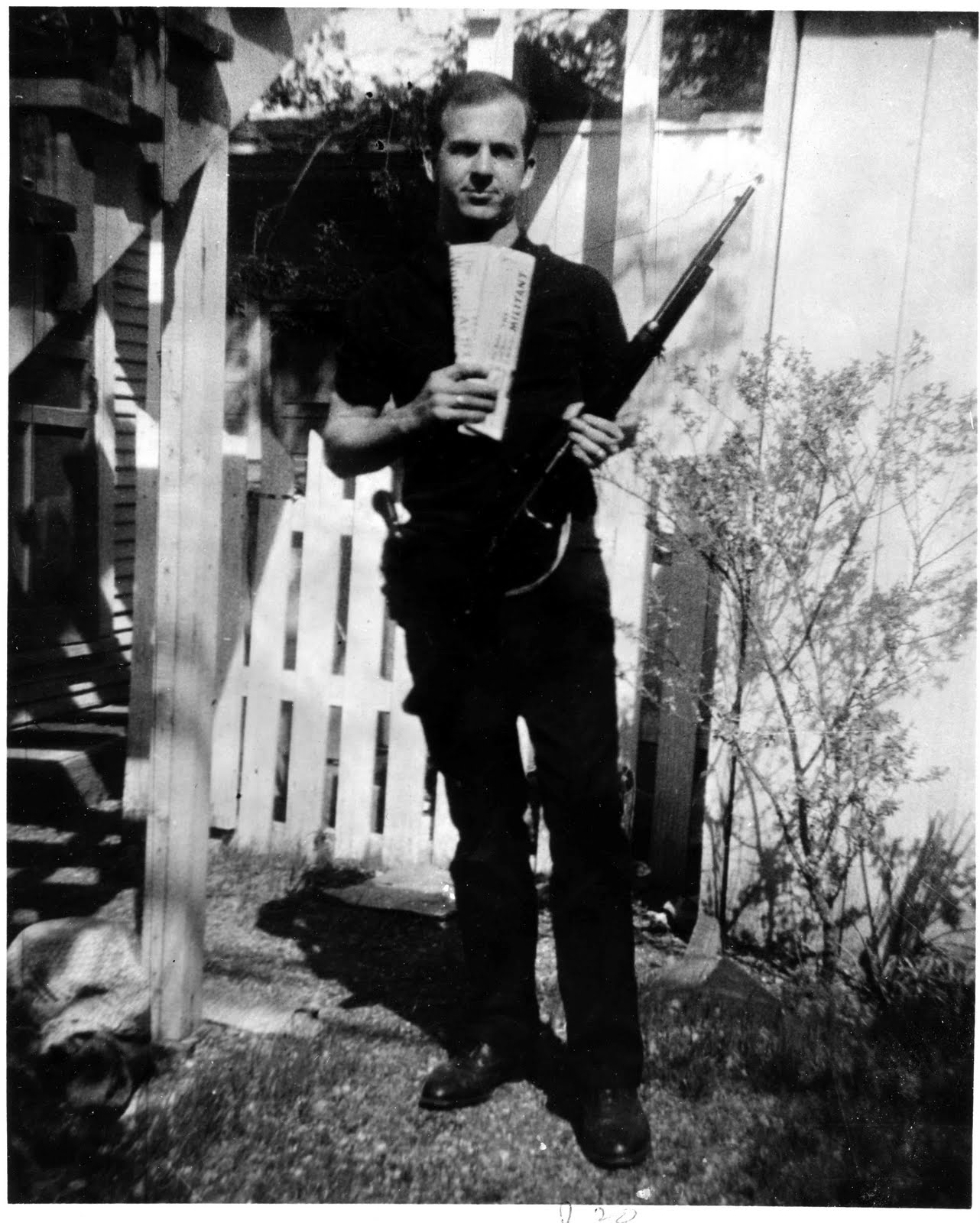 Lee-Harvey-Oswald-With-Rifle