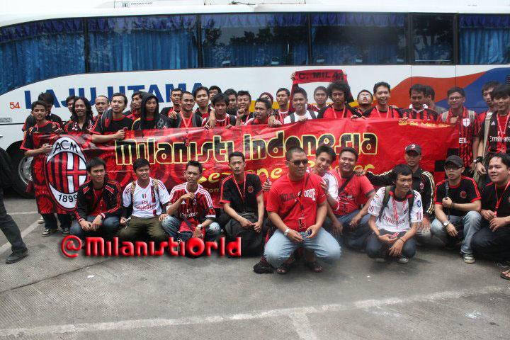 milanisti_indonesia_family_2_20120116_1148702352