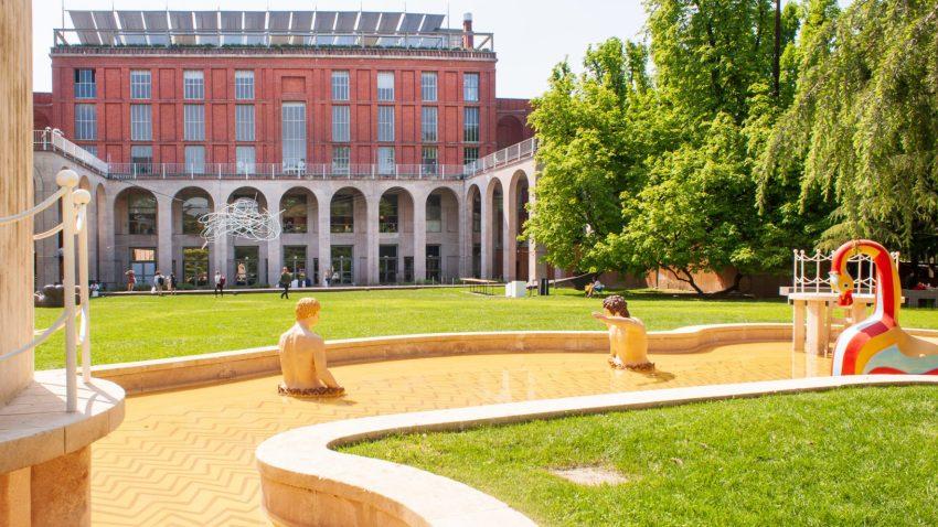 I Bagni Misteriosi di De Chirico, Palazzo dell'arte