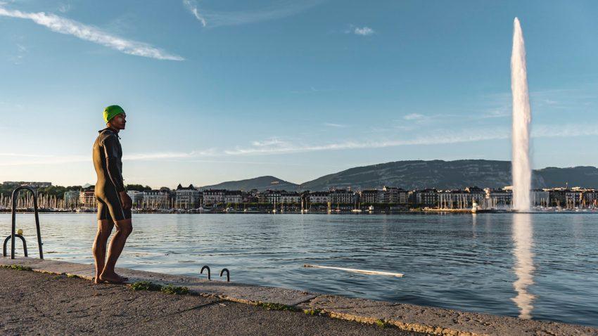 Schweiz. ganz natuerlich. Keystory Geneve mit Dawa Sherpa, hier beim Schwimmen am Quai des Paquis.