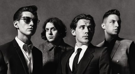 Arctic Monkeys in concerto a Milano