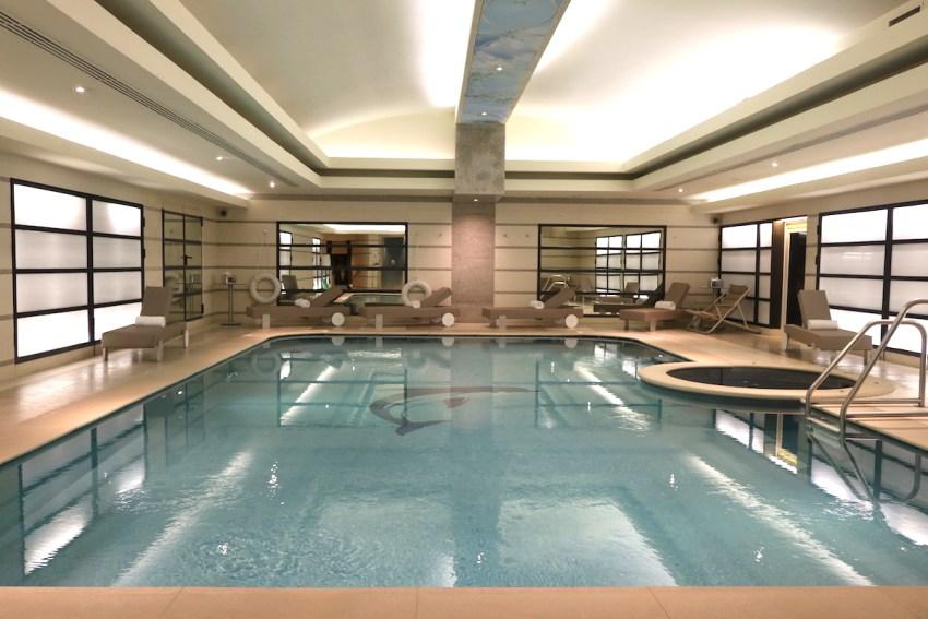 La piscina della spa del Principe di Savoia