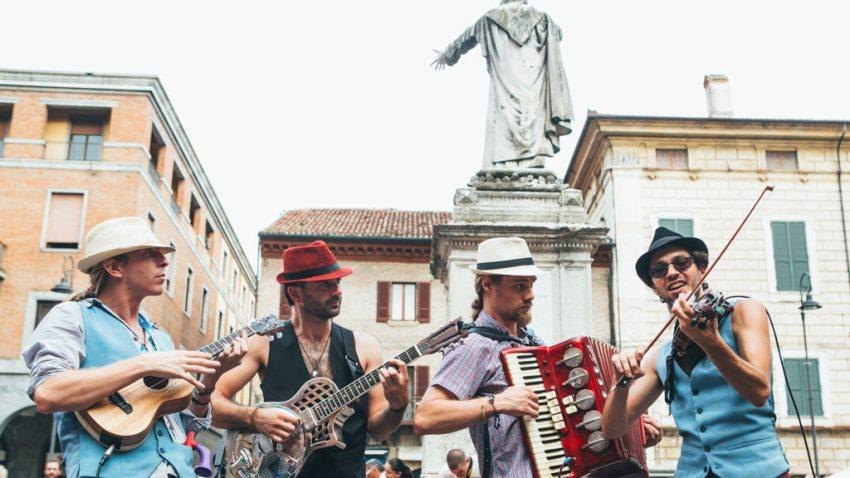 Ferrara Buskers Festival The underscore orchestra
