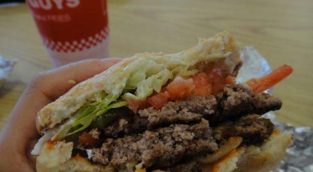 Gli hamburger di Five Guys pronti a conquistare Milano