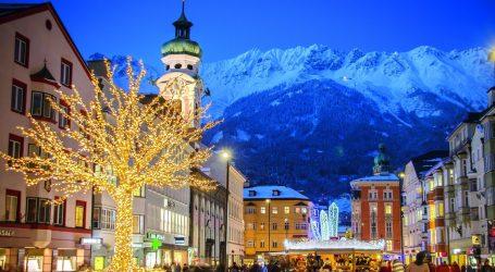 Tour in Austria, tra mercatini, profumo di cannella e atmosfere natalizie