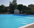 A Milano in piscina fino al tramonto