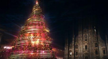 Natale a Milano: arrivano i diciotto alberi delle feste