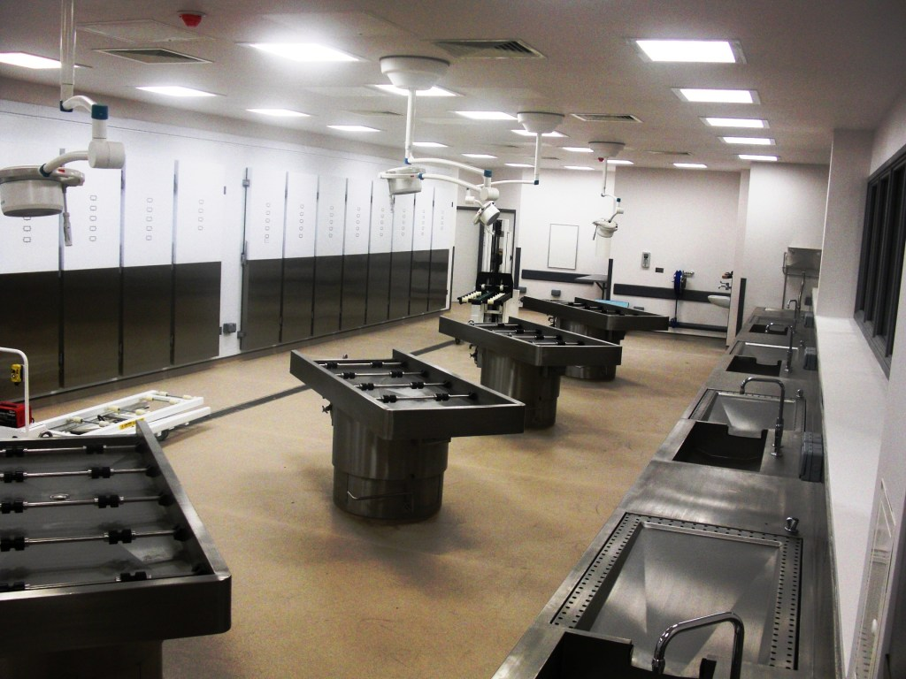 Students learn to take care of the dead through SLCC ...  Mortuary