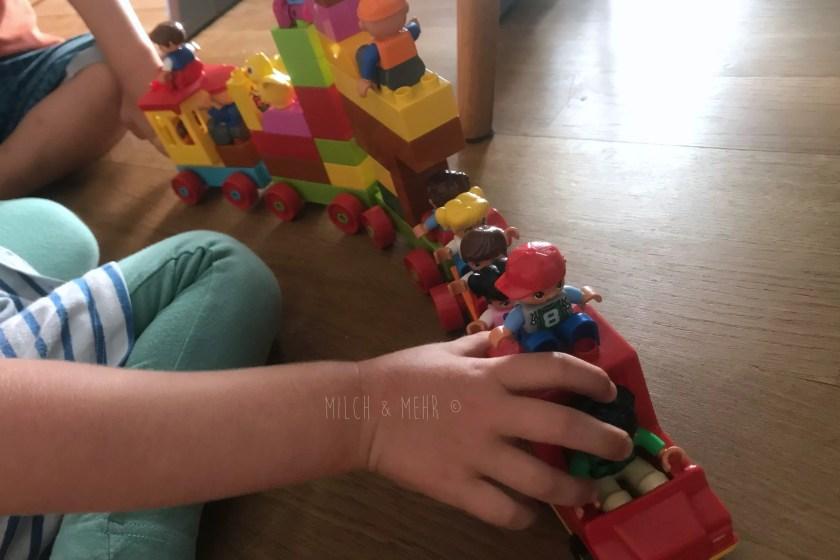 WIB #kw34 dreijaehrige bauen mit Lego Duplo
