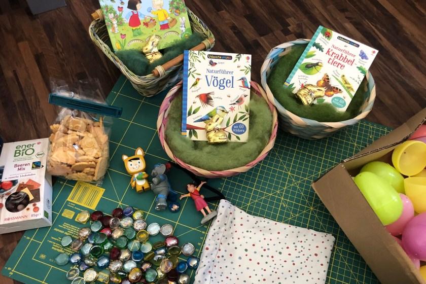 Osternester vorbereiten fuer drei Kinder