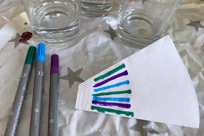 Filterpapier mit Fasermalern anmalen