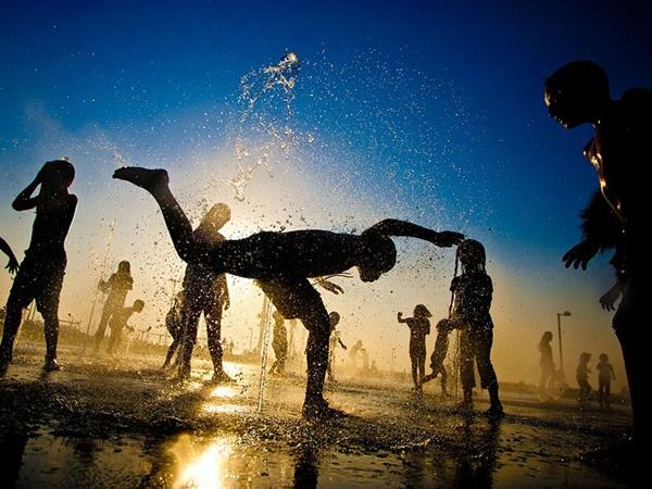 Israel http://photography.nationalgeographic.com/photography/photo-of-the-day/tel-aviv-children/ (Dima Vazinovich)