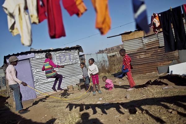 África do Sul http://blogs.ft.com/photo-diary/tag/soweto/ (Muhammed Muheisen)