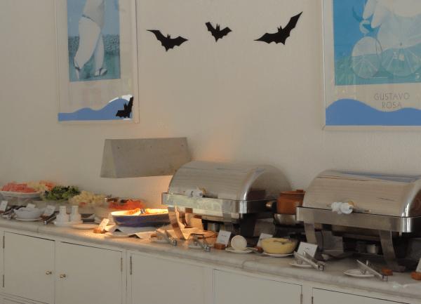 Menu infantil na Casa da Criança (morceguinhos do Halloween!)