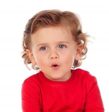 bebê aprendendo a falar