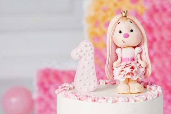 bolo para festa tema brinquedo