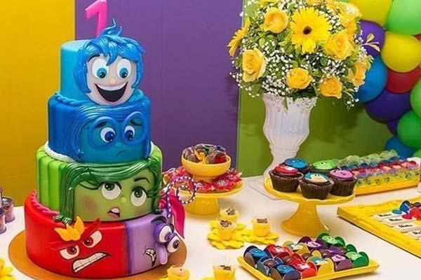 festa divertidamente bolo