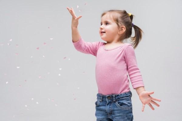 menina de 4 anos