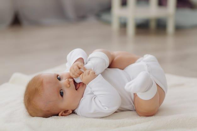 primeiros indícios de surdez na criança