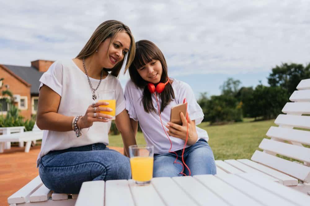 Como lidar com filhos rebeldes na adolescência