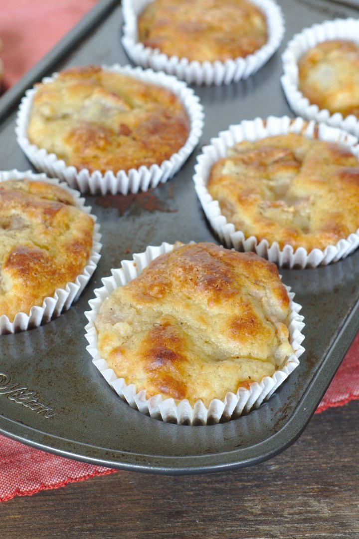 Easy Pear Muffins