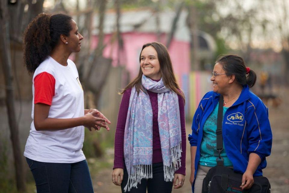 Volunteers talking in Brazil