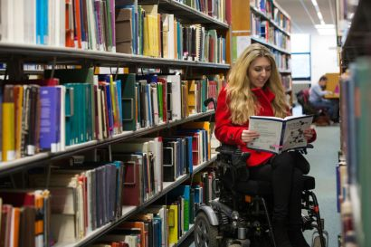 Sophie using the university library on campus at University of Bath.