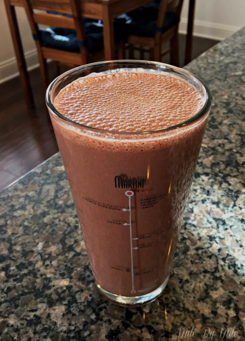 This smoothie is made with anti-inflammatory foods including beet juice, ginger, and berries. Almond butter and oats make this a thick and filling smoothie, and if you don't like beet juice you won't even taste it!