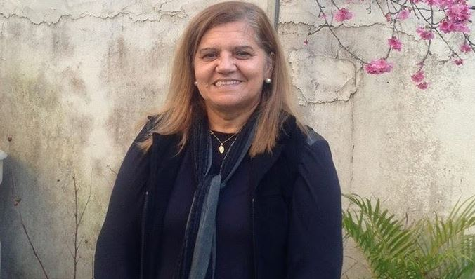 """Marilena tinha 59 anos e trabalhava como coordenadora pedagógica da escola. Numa entrevista, o filho da mulher disse que mal soube das notícias percebeu logo que a mãe era uma das vítimas. """"Tinha a certeza que os ia enfrentar de frente"""", explicou. Foto: Facebook"""