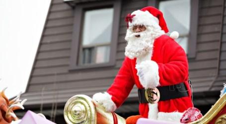 Desfile do Pai Natal percorre ruas de Toronto