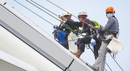 Ontario evaluating effectiveness of Working at Heights training